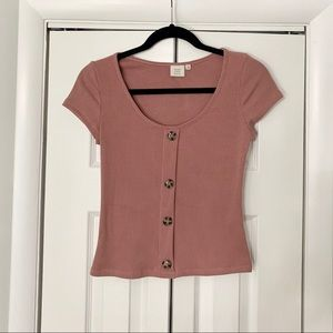 Ribbed mauve top. Big buttons.Short sleeves. NWOT